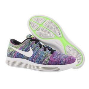 NIKE Lunarepic Low Flyknit Running Shoe